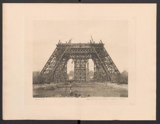Costruzione-della-Torre-Eiffel,-inizio-secondo-livello